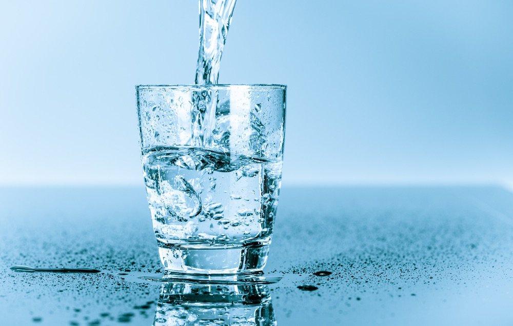 shutterstock_199262555-waterglass-1000x636